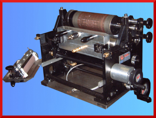 Flexographic unit for printing and varnishing